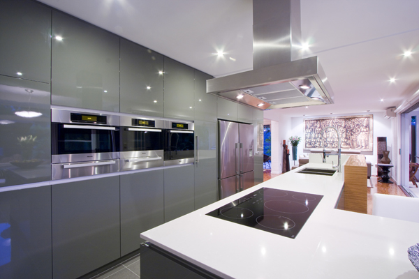 Επανασχεδιασμός &; ανακαίνιση κουζίνας
